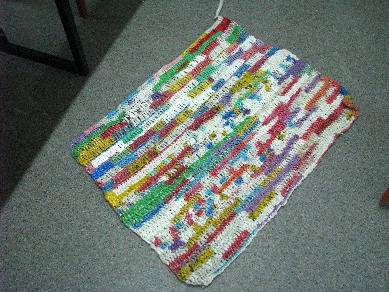 Вязание ковриков из пакетов целлофановых